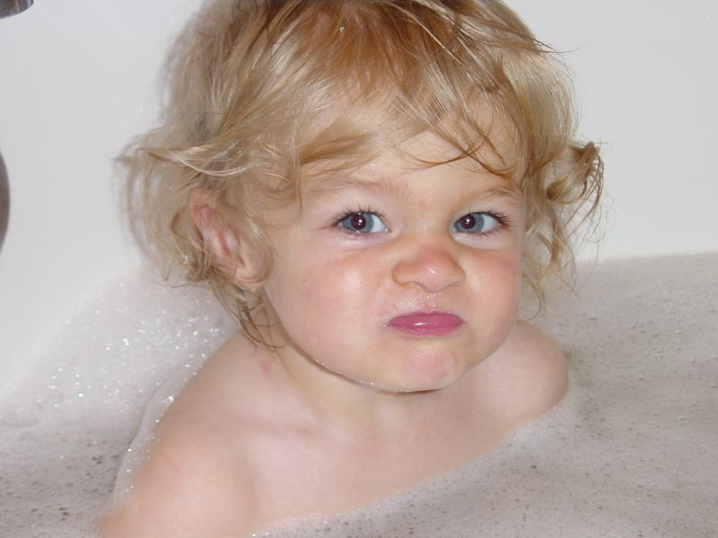 Bella Mean Face in Tub